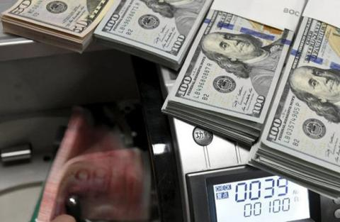 معاون وزیر اقتصاد: به دلار ۴۲۰۰ تومانی فرصت دهیم