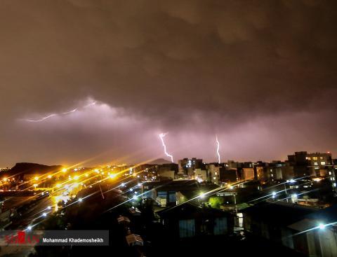 تصاویر دیدنی از رعد و برق شبانه تهران