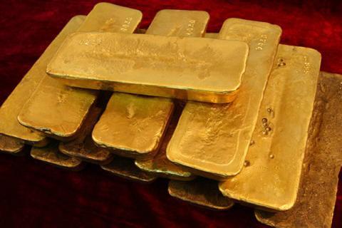 محدودیت واردات طلا و ارز برداشته شد