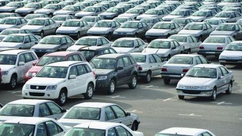 سرمایههای سرگردان وارد بازار خودرو شد