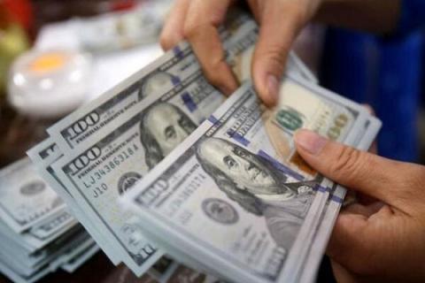 دلایل پیشروی دلار