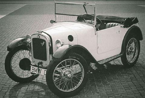 اولین خودرو ب ام و/عکس