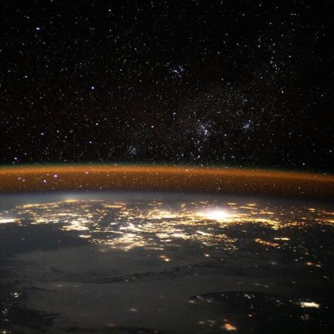 تصویری شگفت انگیز از زمین