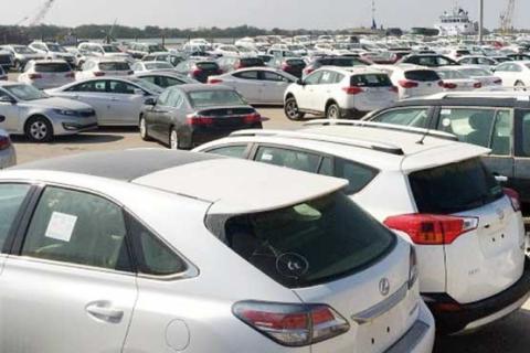 80 هزار خودروی وارداتی منتظر حضور در ایران