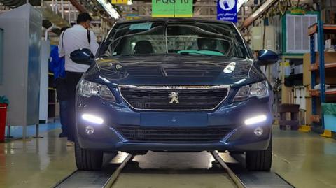 ضربه قیمتگذاری دستوری به شرکت مشترک ایران خودرو و پژو