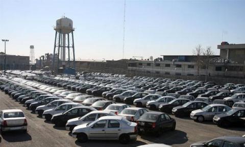 حبس محصولات پارس خودرو در پارکینگ