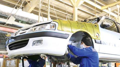 سهام ایران خودرو به بانک واگذار شد
